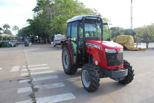 Cabina Agrícola Massey Ferguson 4275 Compacto
